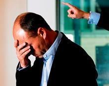 Как уволить директора ООО, если он учредитель?