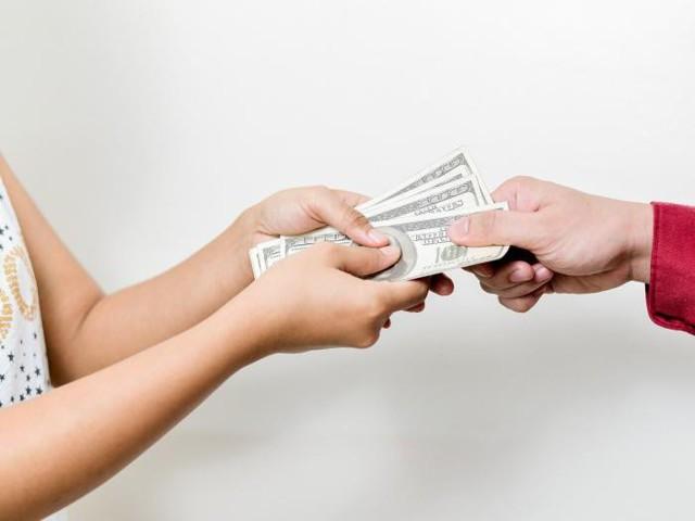 Какие действия нужно совершить физлицу при покупке доли в уставном капитале ООО