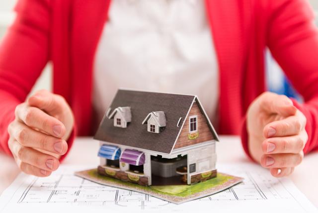 Как оформить покупку дома в деревне