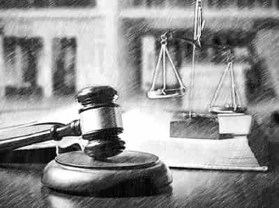 Незаконное увольнение с работы: что делать и куда обращаться