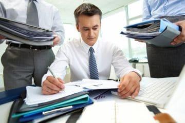 Приказ об увольнении в связи с выходом основного работника - образец