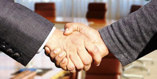 Как составить договор купли-продажи автомобиля между юридическим лицом (продавец) и физическим лицом (покупатель)
